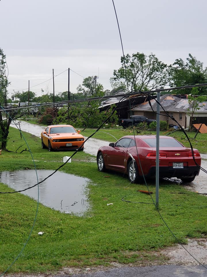 سيارات الحطام الذى خلفه إعصار فى فرانكلين بولاية تكساس بامريكا 2