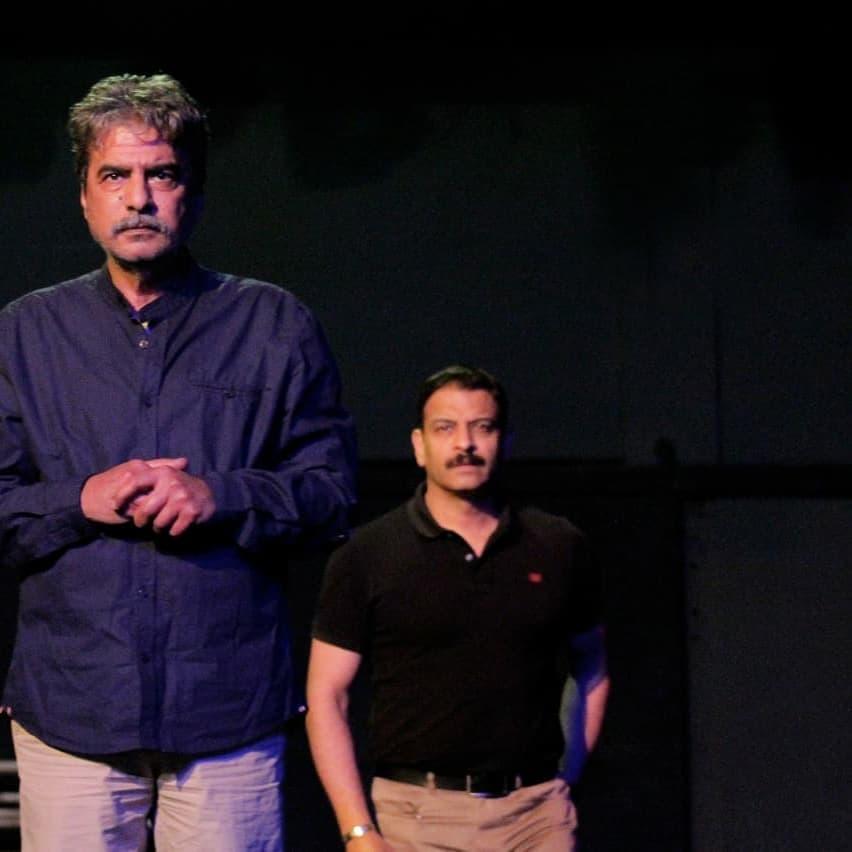 جمال عبد الناصر وأشرف مصيلحى في كواليس مسرحية الحالة توهان