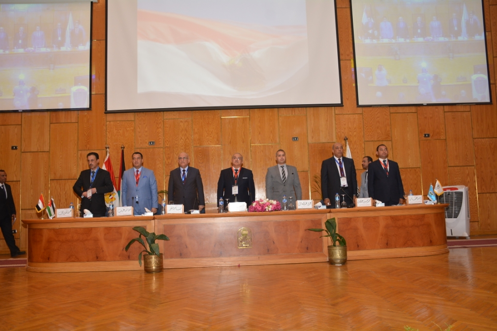 نخبة من الأساتذة والباحثين القانونين بمختلف البلدان العربية  (1)