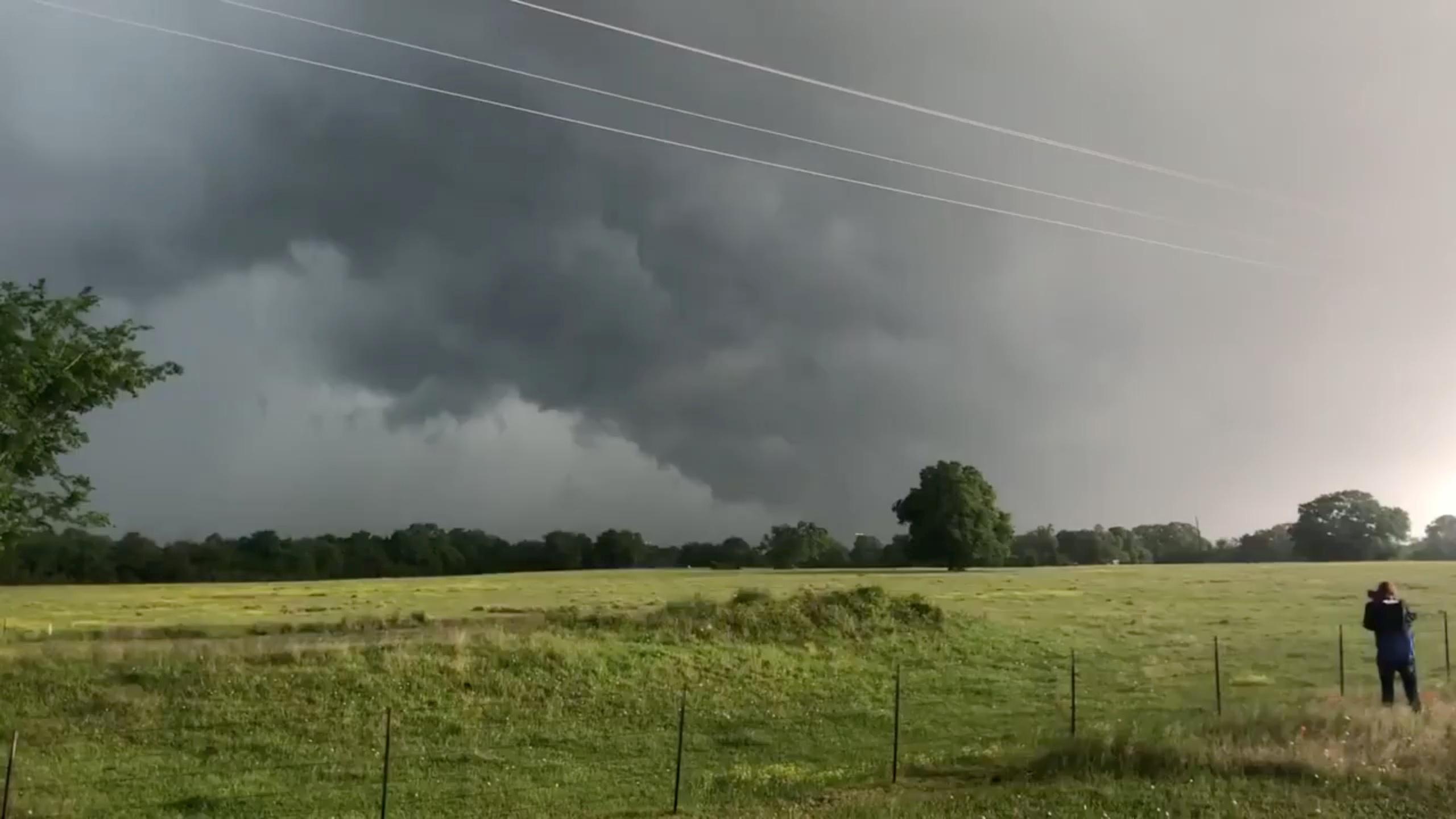 الطقس ومنظر للسحب فى منطقة الاعصار فى تكساس2