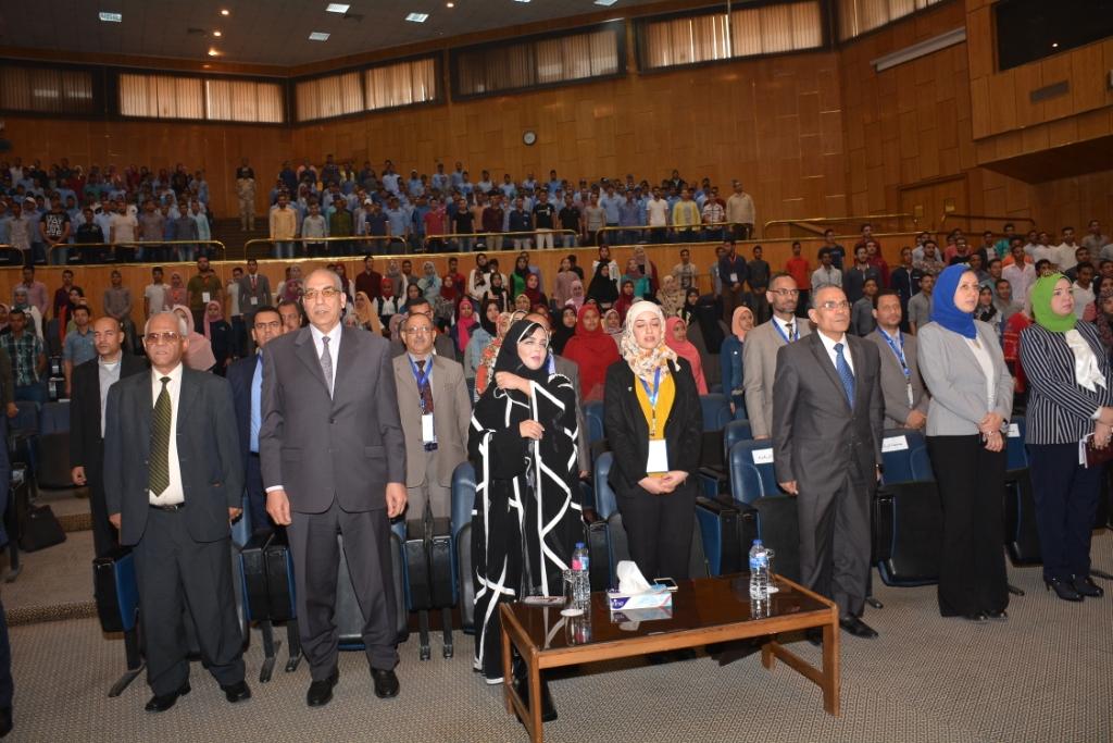 نخبة من الأساتذة والباحثين القانونين بمختلف البلدان العربية  (2)