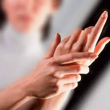 ما هي اسباب تنميل اليدين