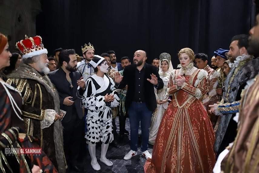 رانيا فريد شوقى فى كواليس مسرحية الملك لير