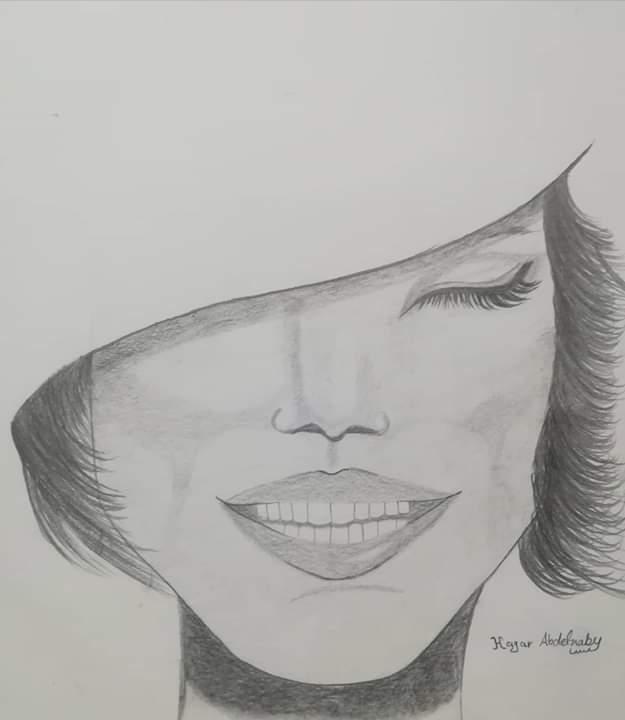 فتاة من الغربية تبدع فى الرسم (1)
