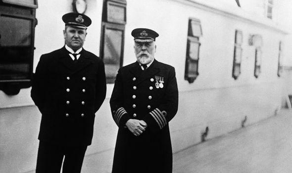 كابتن إدوارد سميث - قائد السفينة