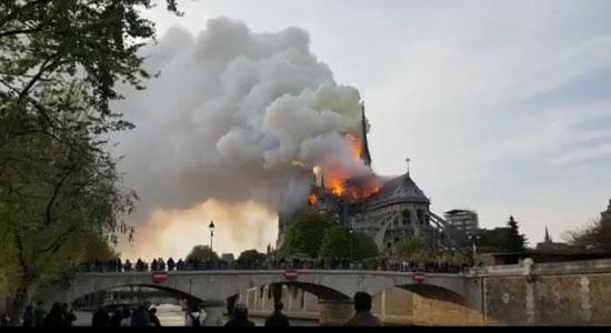 حريق كاتدرائية نوتردام (12)
