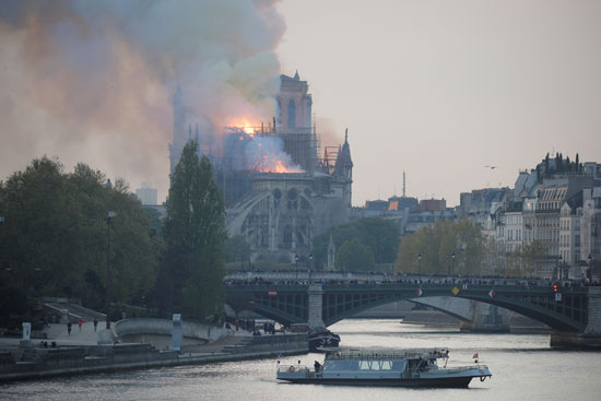 حريق-نوتردام-(10)