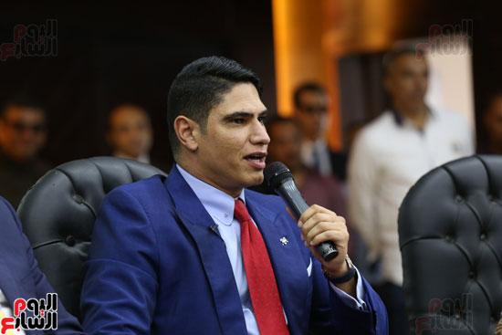 أبو هشيمة فى ندوة جامعة عين شمس (1)