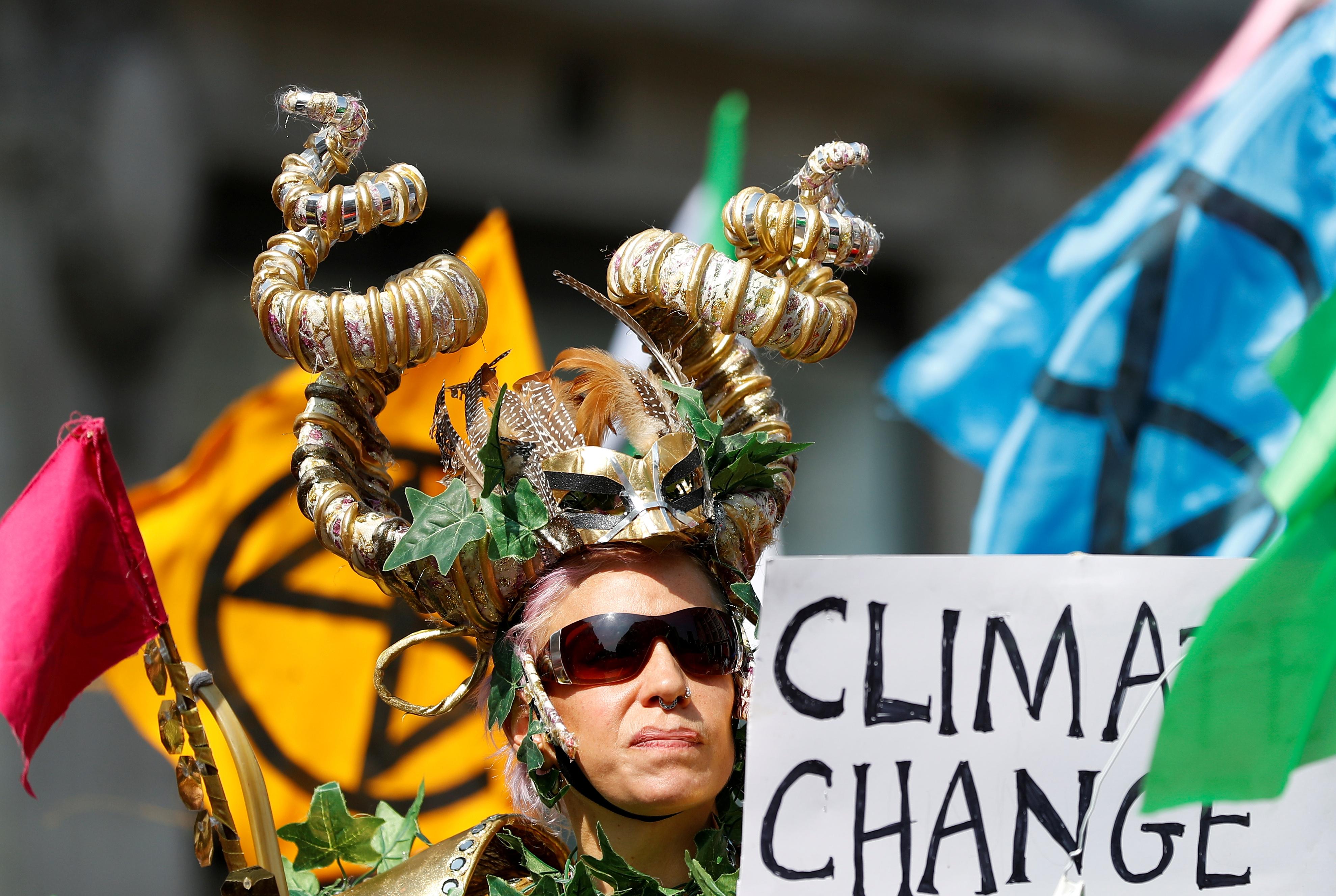 مظاهرات تغيرات المناخ بلندن (25)