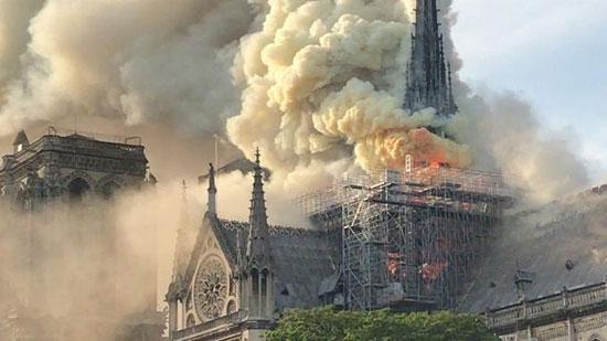 حريق كاتدرائية نوتردام (14)
