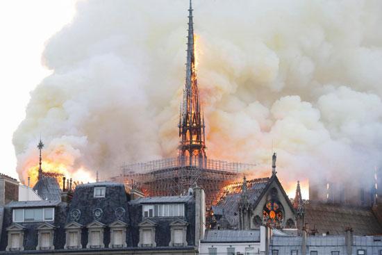 حريق كاتدرائية نوتردام (16)
