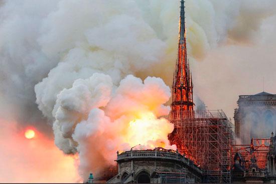 حريق كاتدرائية نوتردام (11)
