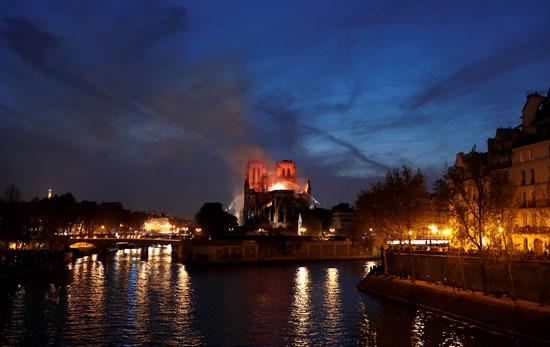 حريق-نوتردام-(7)