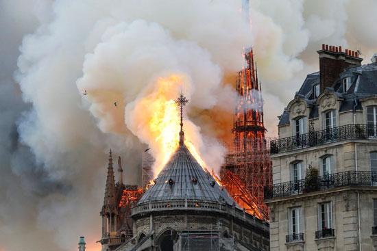 حريق كاتدرائية نوتردام (6)