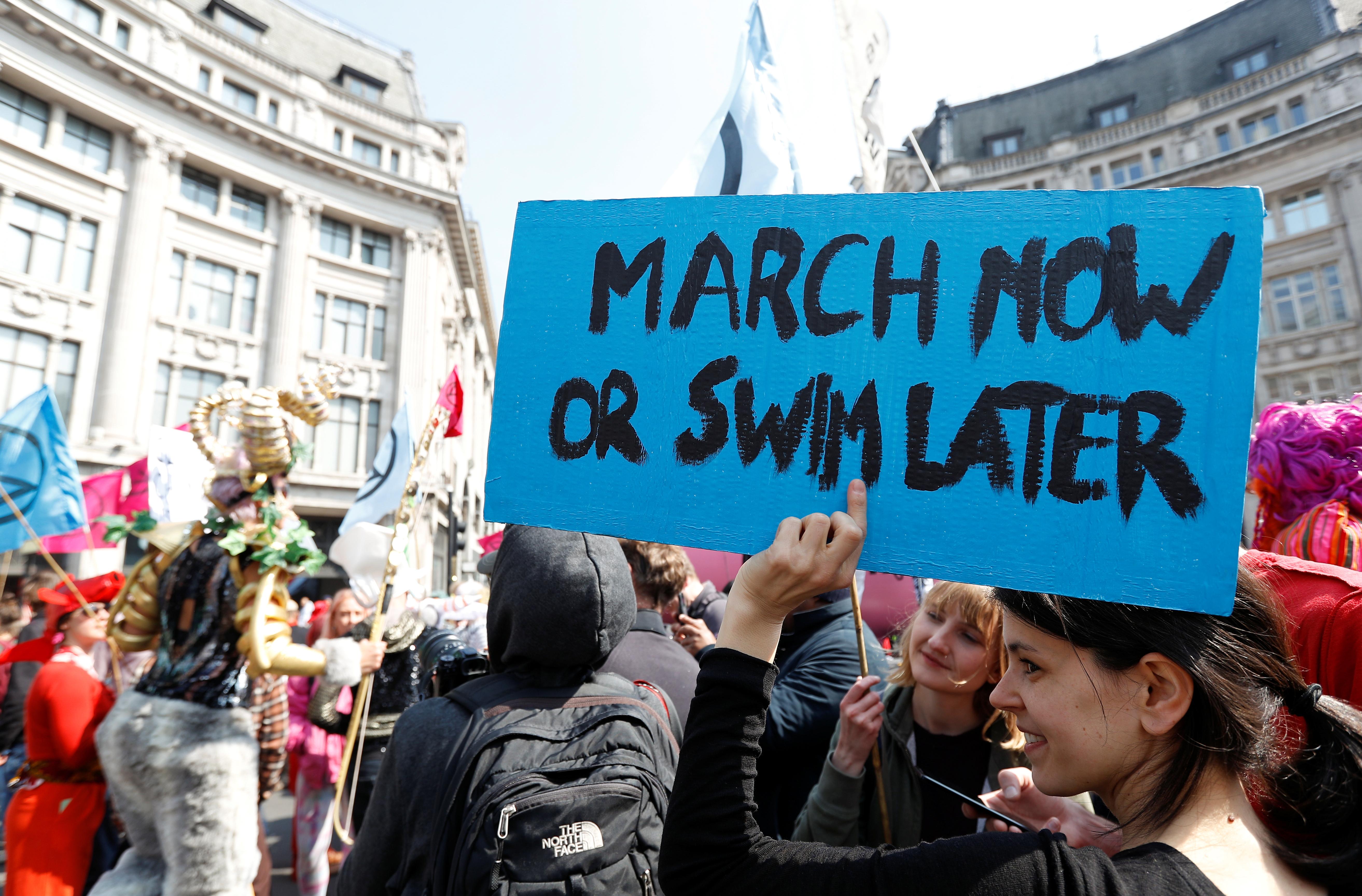 مظاهرات تغيرات المناخ بلندن (27)