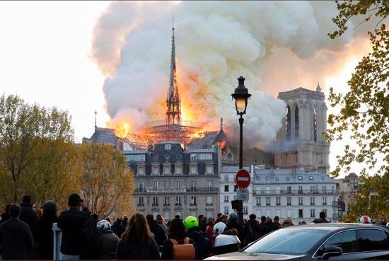 حريق كاتدرائية نوتردام (10)