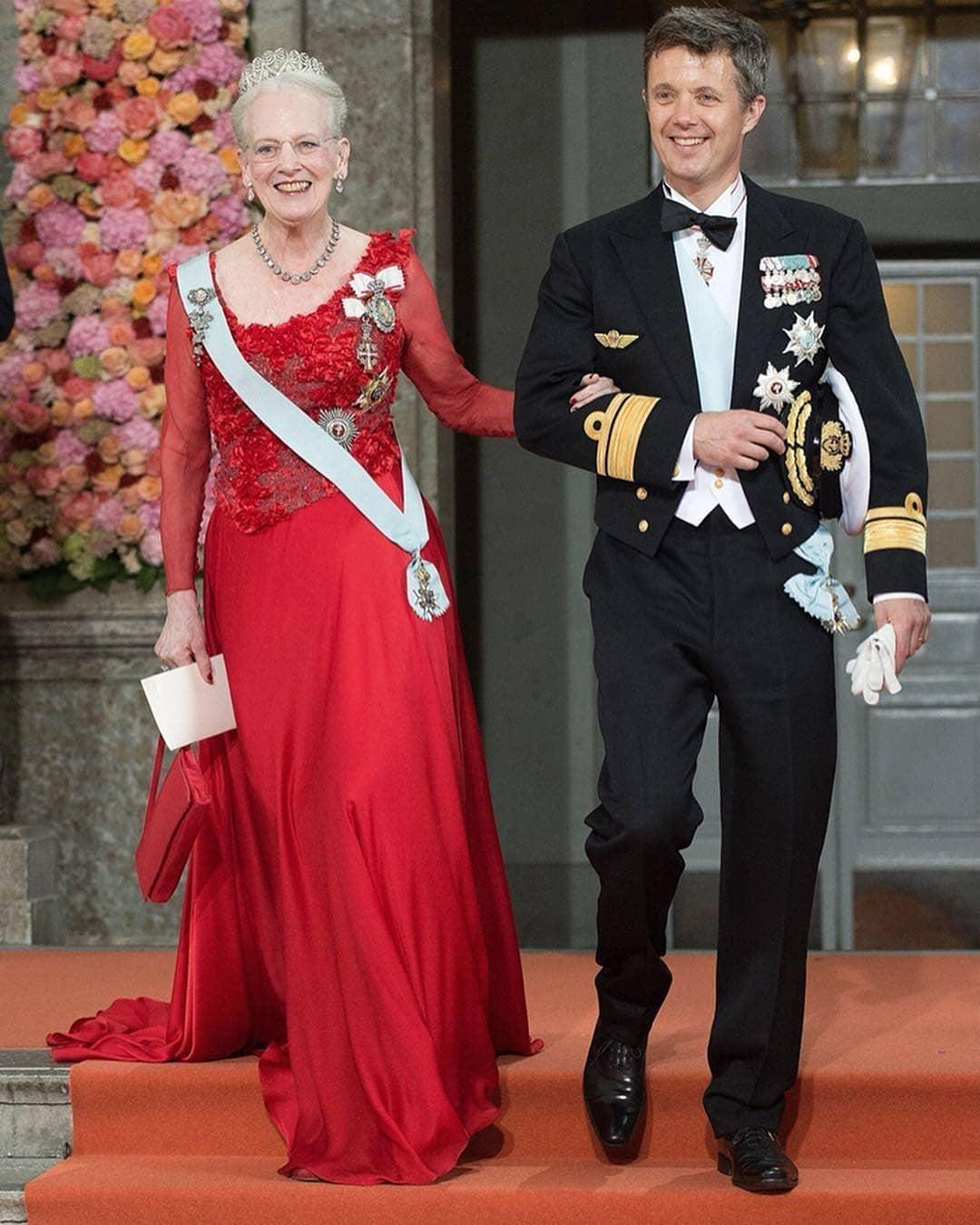 الملكة مارجريت الثانية مع نجلها