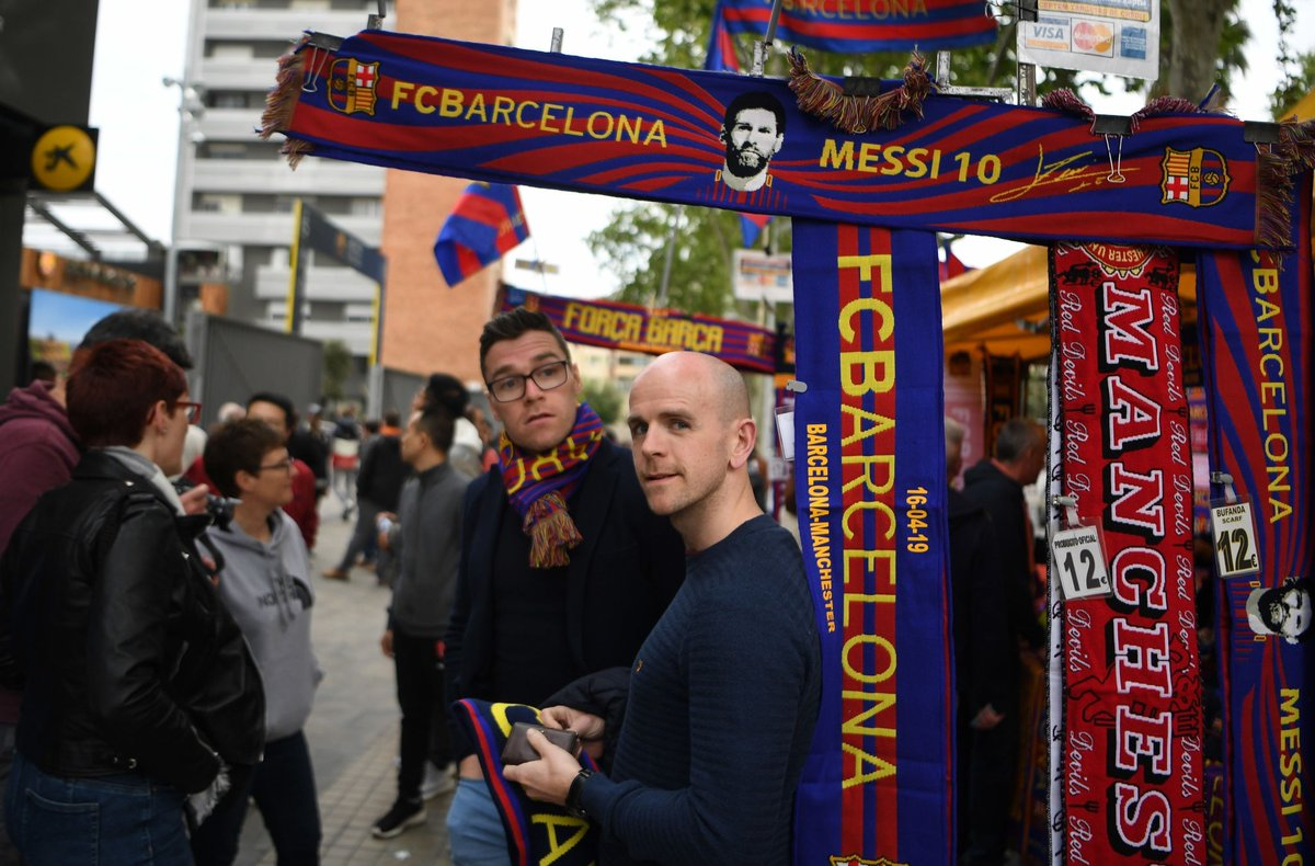 الجماهير قبل قمة برشلونة ضد مانشستر يونايتد (7)