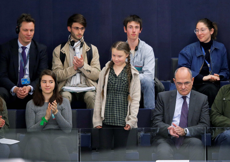 الطفلة السويدية جريتا ثانبيرج داخل البرلمان الأوروبى (7)
