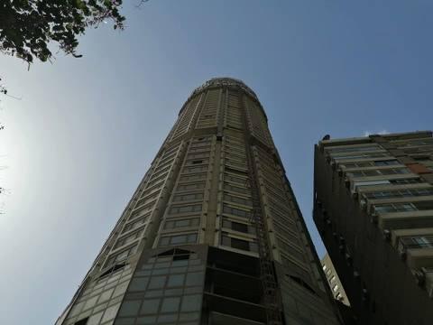 برج مغلق بمنطقة الجزيرة
