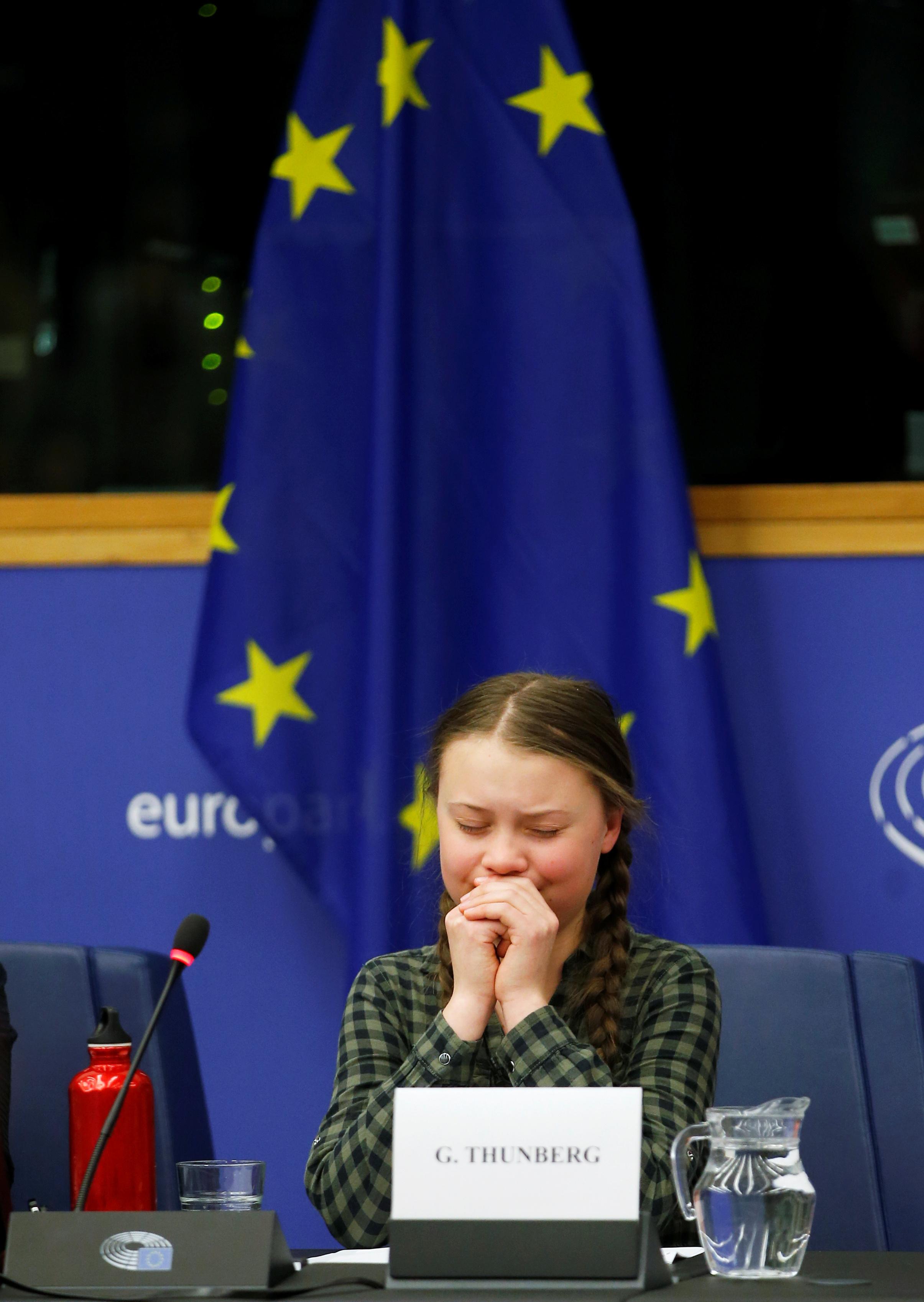 الطفلة السويدية جريتا ثانبيرج داخل البرلمان الأوروبى (8)