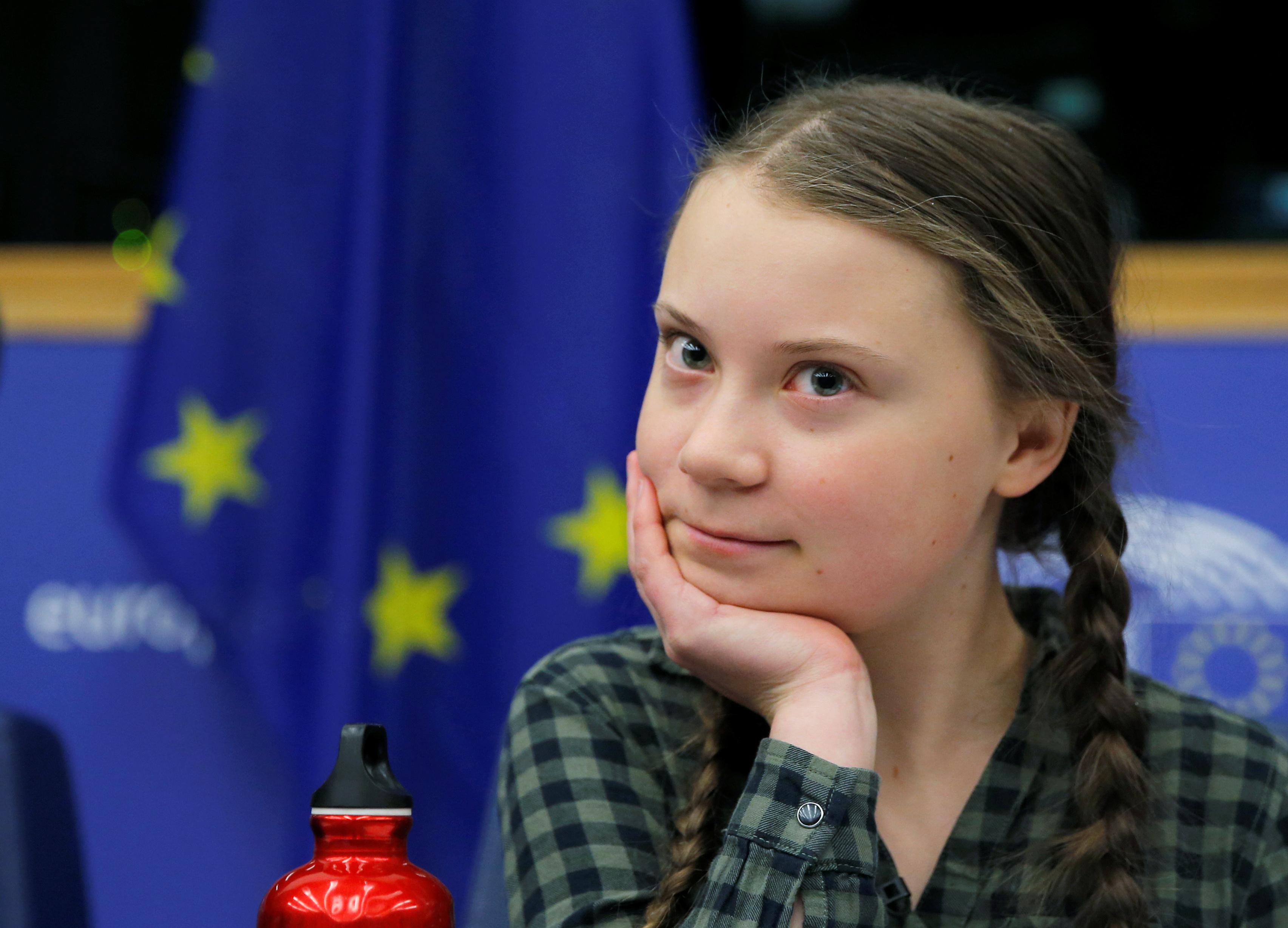 الطفلة السويدية جريتا ثانبيرج داخل البرلمان الأوروبى (14)