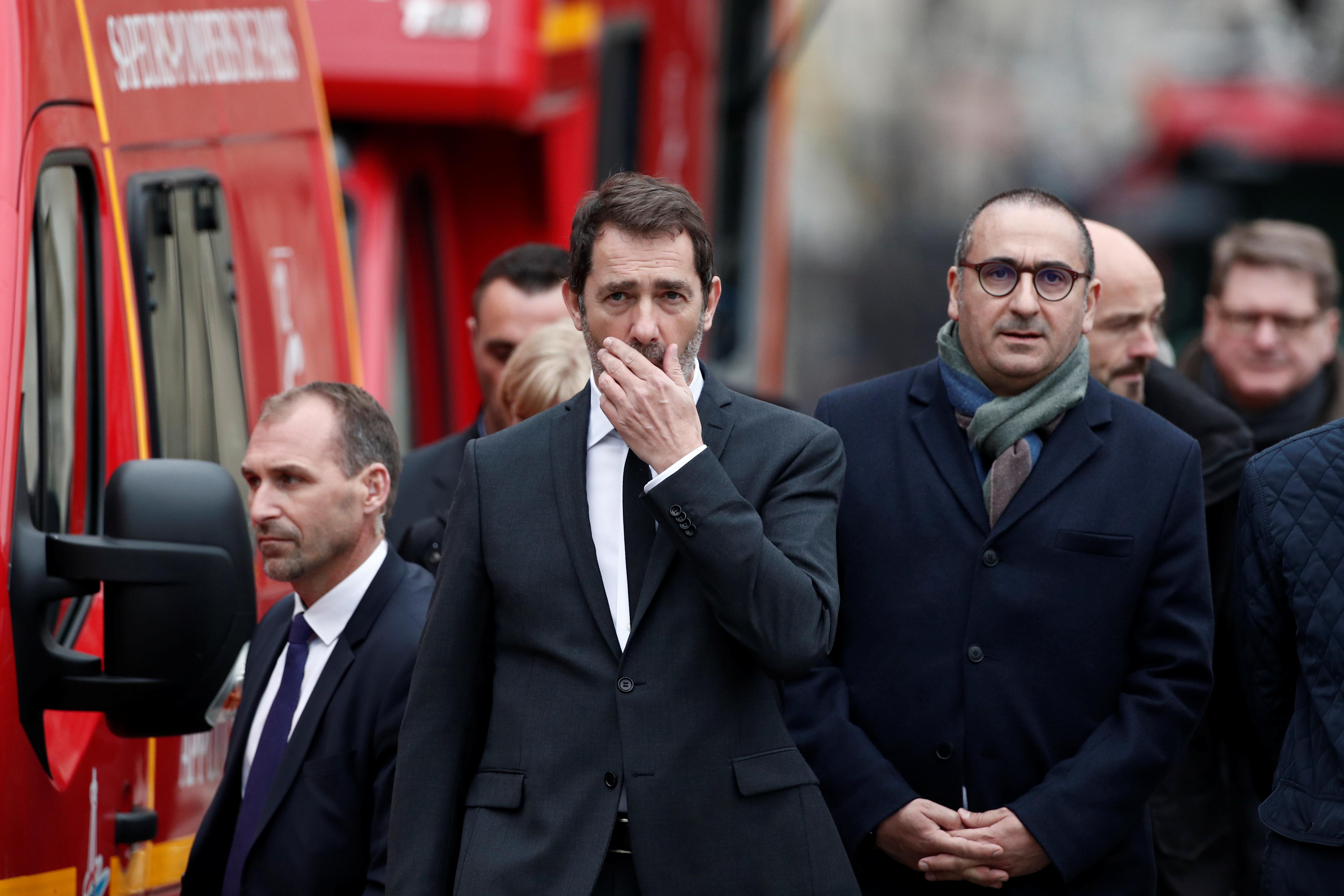 زيارة وزير الداخلية الفرنسى لمكان الحادث