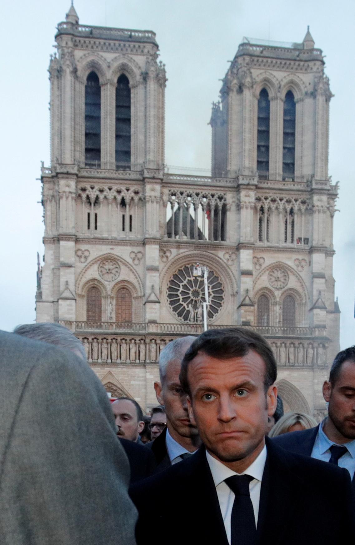 زيارة ماكرزن للكاتدرائية (2)