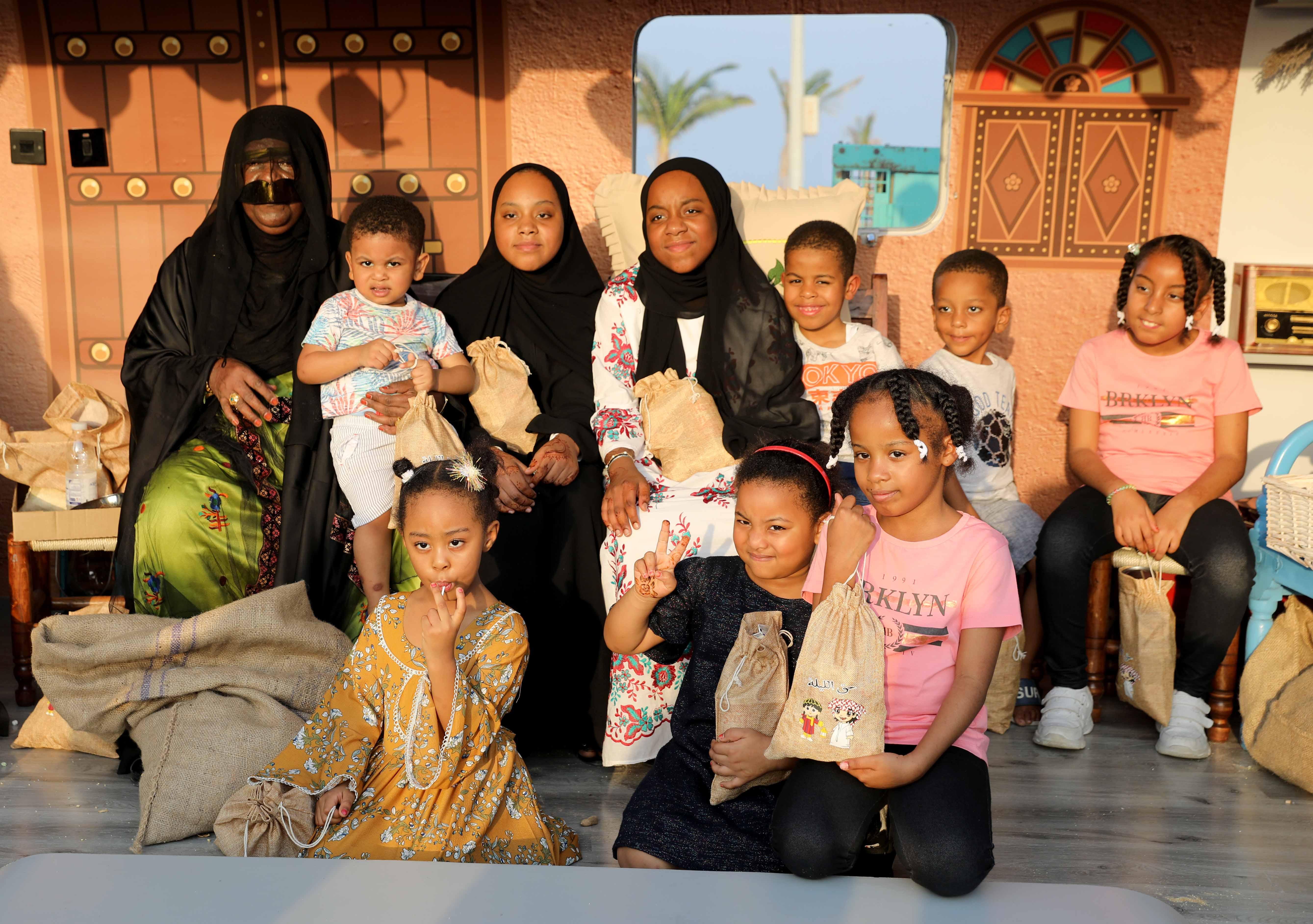 قافلة النصف من شعبان تحتفى بالتراث الشعبى وتجوب الإمارات (1)