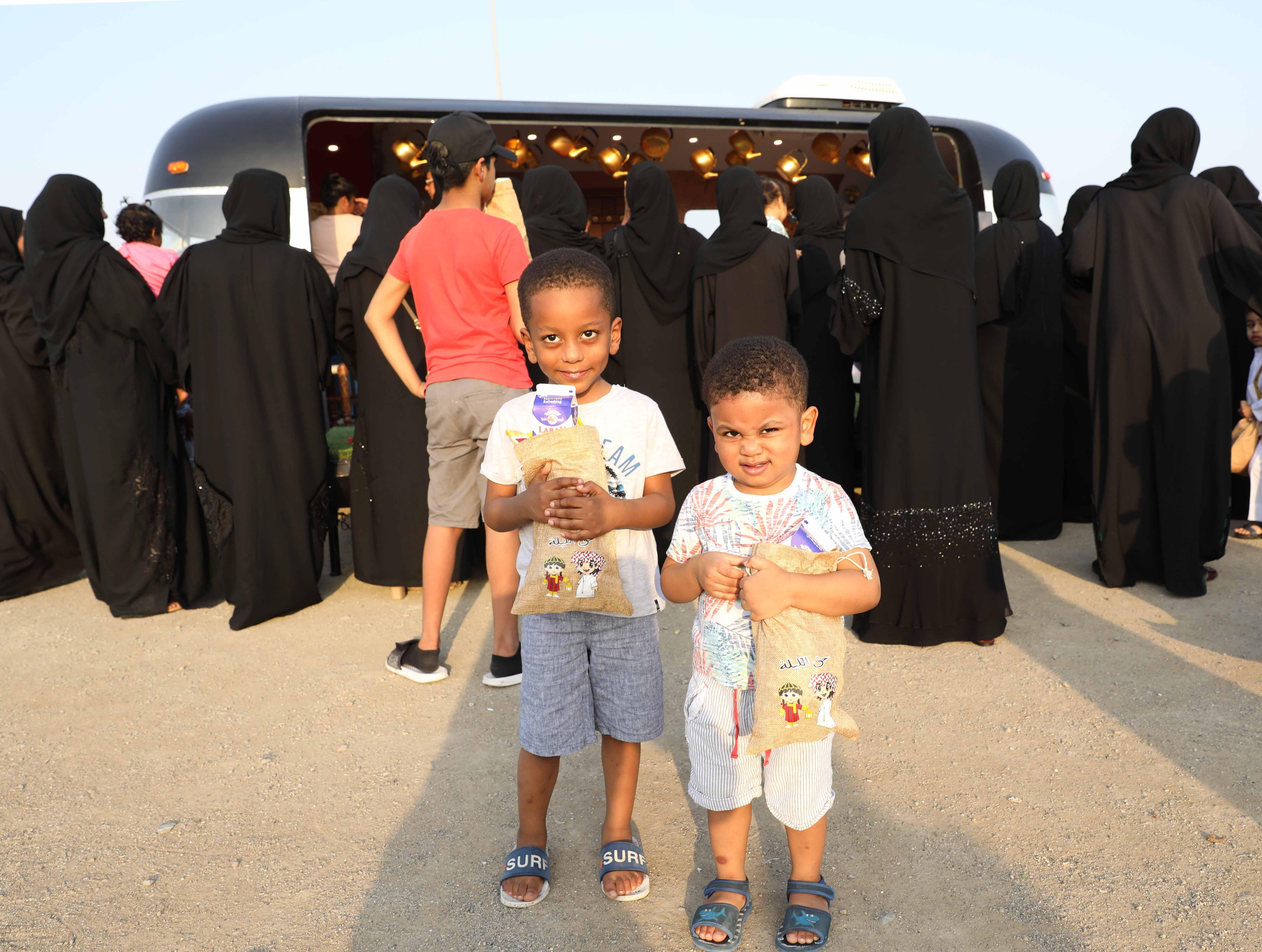 قافلة النصف من شعبان تحتفى بالتراث الشعبى وتجوب الإمارات (6)