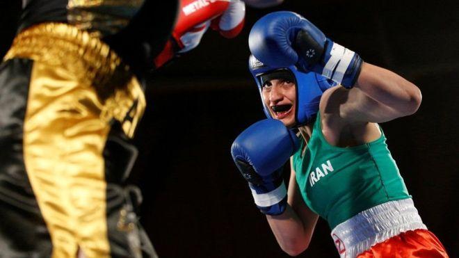 الملاكمة الإيرانية تواجه منافستها الفرنسية