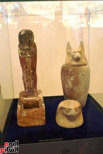 رئيس-الوزراء-ووزير-الآثار-فى-الأقصر-لافتتاح-مقبرتين-فرعونيتين-(14)