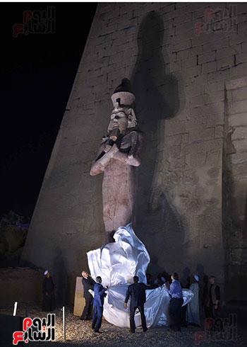 رئيس الوزراء يشارك فى إزاحة الستار عن التمثال الثالث للملك رمسيس الثاني بالأقصر (2)