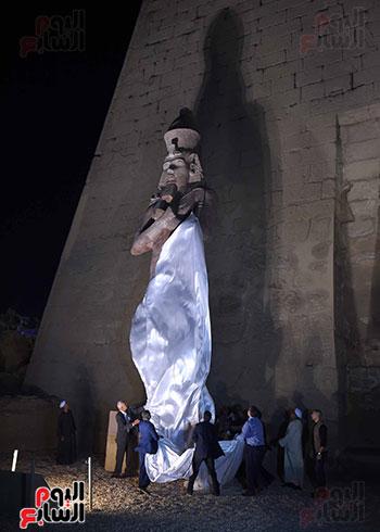 رئيس الوزراء يشارك فى إزاحة الستار عن التمثال الثالث للملك رمسيس الثاني بالأقصر (1)