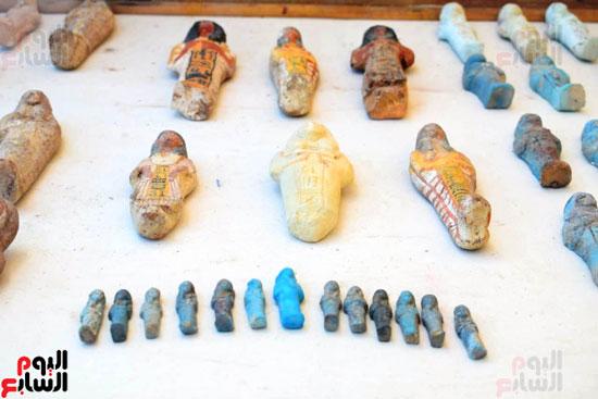 رئيس-الوزراء-ووزير-الآثار-فى-الأقصر-لافتتاح-مقبرتين-فرعونيتين-(18)