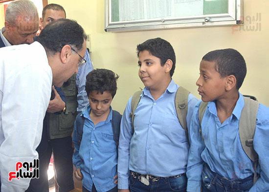 رئيس الوزراء يُتابع المبادرة الرئاسية نور حياة (1)