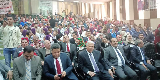 المؤتمر القومي لشباب العمال (15)