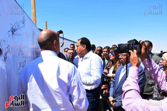 رئيس الوزراء يتفقد محطة معالجة الصرف بالمدامود (9)