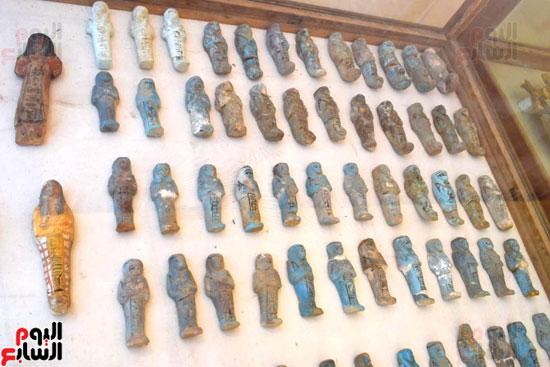 رئيس-الوزراء-ووزير-الآثار-فى-الأقصر-لافتتاح-مقبرتين-فرعونيتين-(20)