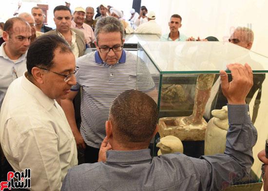 رئيس الوزراء يزور منطقة وادي الملوك في مستهل جولته بالأقصر (1)