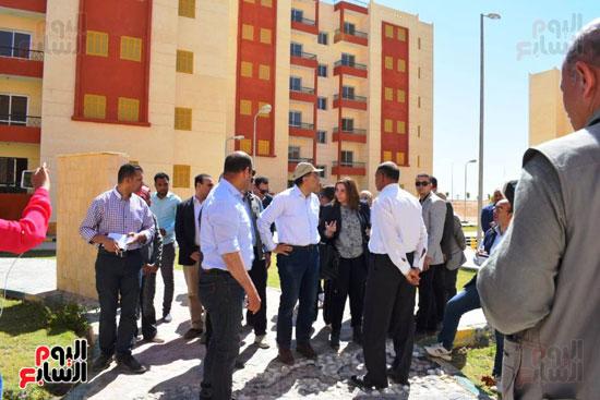 رئيس الوزراء يتفقد محطة معالجة الصرف بالمدامود (2)