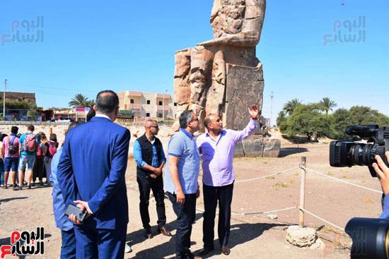 رئيس-الوزراء-ووزير-الآثار-فى-الأقصر-لافتتاح-مقبرتين-فرعونيتين-(5)