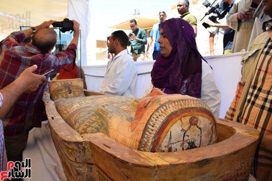 رئيس-الوزراء-ووزير-الآثار-فى-الأقصر-لافتتاح-مقبرتين-فرعونيتين-(21)