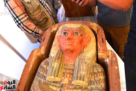 رئيس-الوزراء-ووزير-الآثار-فى-الأقصر-لافتتاح-مقبرتين-فرعونيتين-(10)