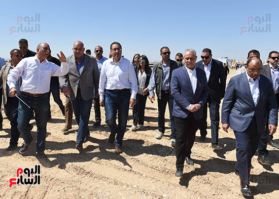 رئيس الوزراء يُتابع المبادرة الرئاسية نور حياة (9)