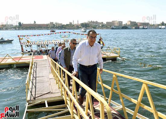 رئيس الوزراء يزور منطقة وادي الملوك في مستهل جولته بالأقصر (4)