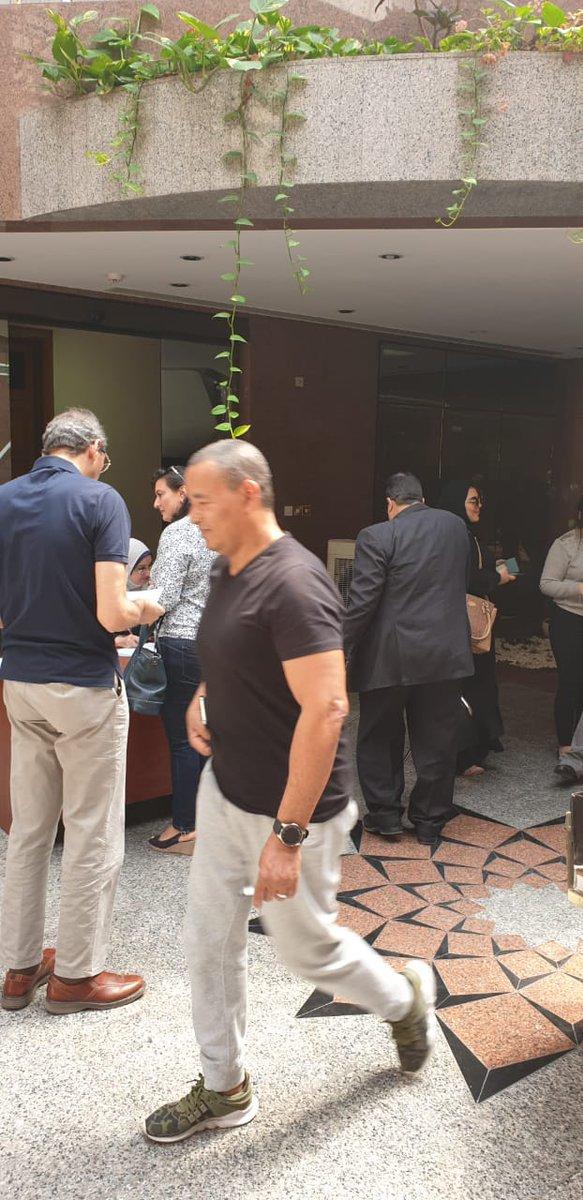 إقبال من المصريين بالخارج للمشاركة فى عملية الاستفتاء