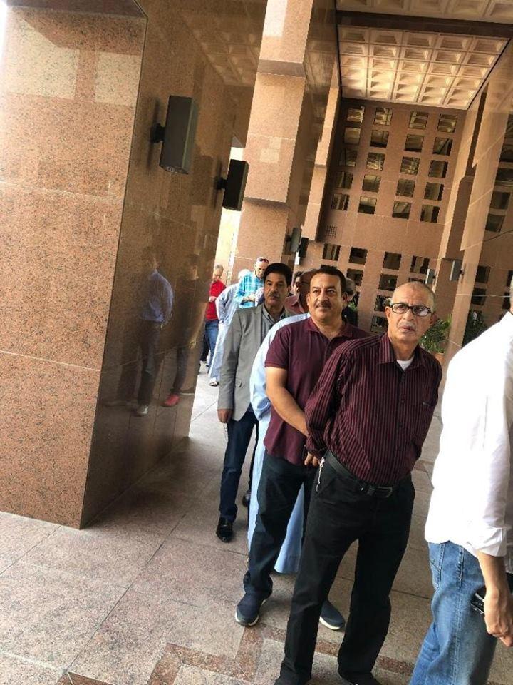 طوابير أمام السفارات للمشاركة فى الاستفتاء على التعديلات الدستورية