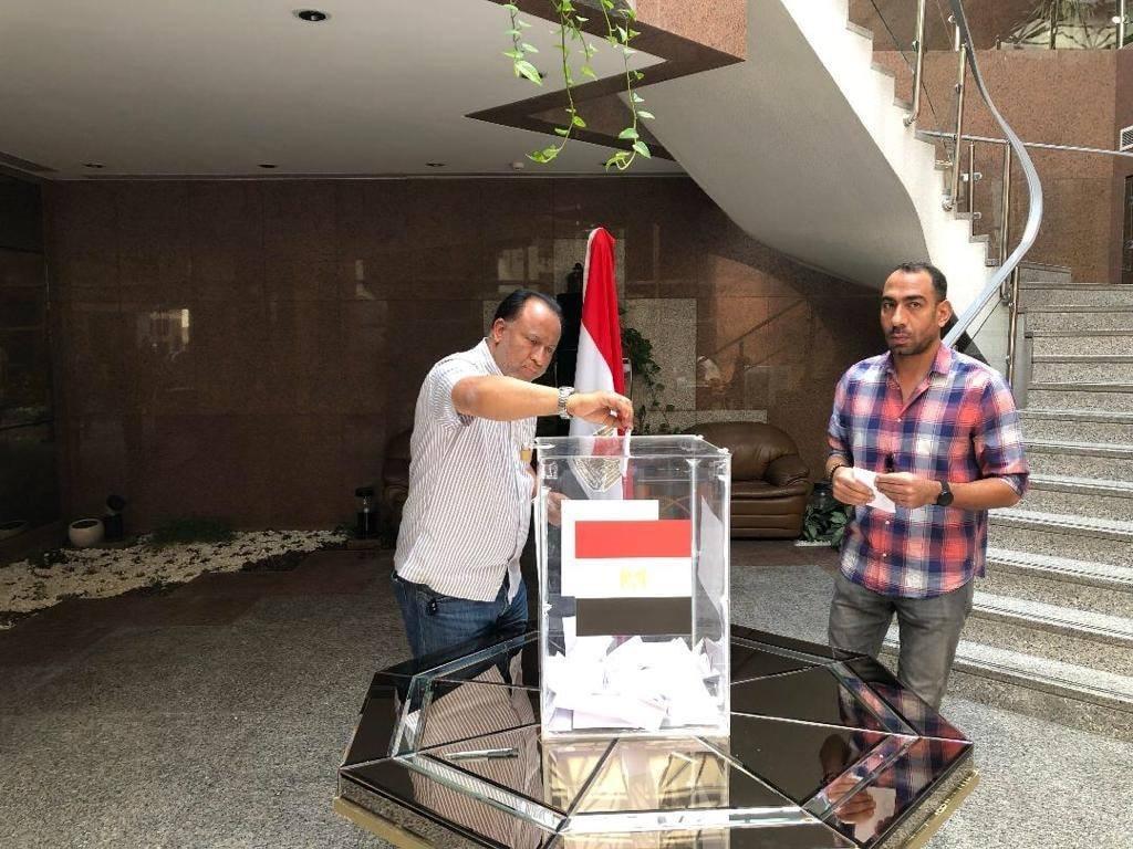 السفارات المصرية فى الخارج تفتح أبوابها أمام المصريين للتصويت