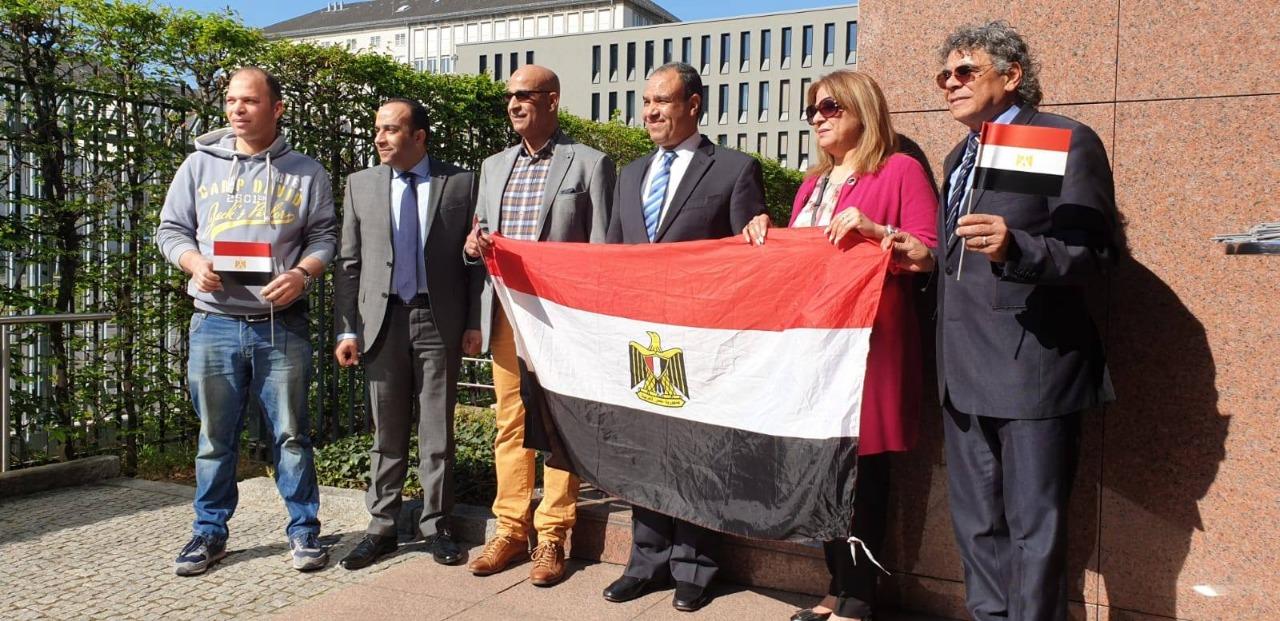 اقبال مصرى على المشاركة فى انتخابات المصريين بالخارج